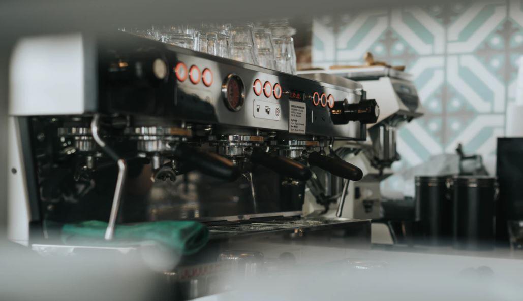 Mit einer gereinigten Maschine schmeckt der Kaffee gleich viel besser